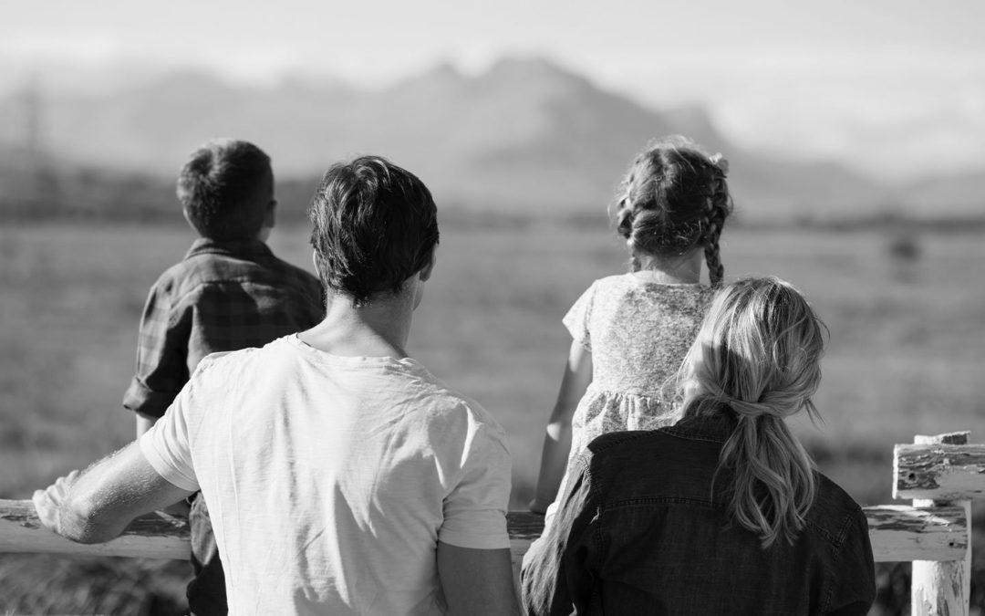 Är det möjligt att ha olika bestämmelser för skilsmässa och dödsfall i ett äktenskapsförord?